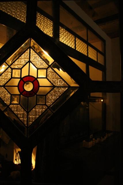 昭和風ステンドグラスとは